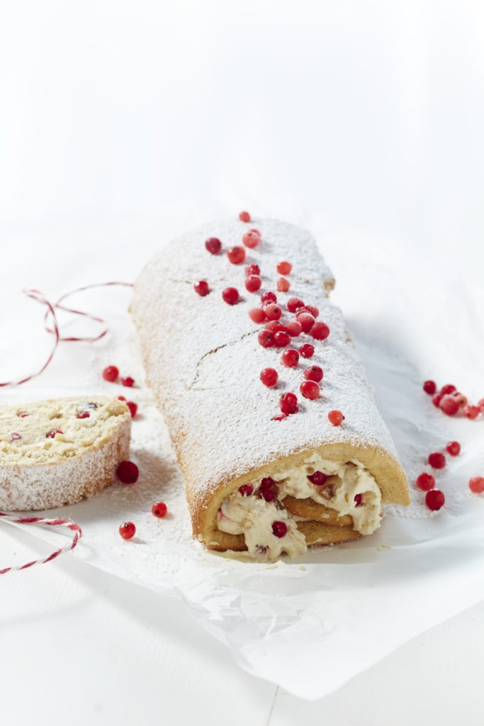 swiss roll with mascarpone cream